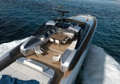 The #RivaYacht 88' Miami is 26.70 m (87 ft. 7 in.) in overall length and 6.20 m (20 ft. 4 in.) full beam. The 88' Miami is slated to have hull # 1 completed and launched by the end of 2014, with its official world première scheduled in the first months of 2015.