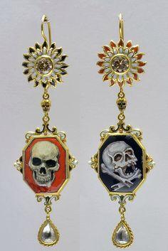 https://i.pinimg.com/236x/74/a7/5d/74a75d9a298dbfcf8b52b0fe35a0dec5--silver-jewellery-online-antique-jewellery.jpg