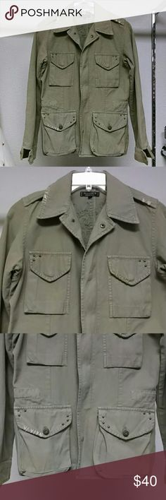 Mason's Woman Rites Cotton Jacket Size 42 Mason's Woman Rites made in Italy size 42 cotton jacket. Jacket is in excellent condition showing no noticable wear. Just small discoloration on inside collar and is not noticable when wearing. Mason's Jackets & Coats Utility Jackets