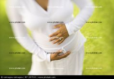 http://www.photaki.com/picture-pregnant-women-in-the-outdoor-stage_287510.htm