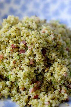 Esta receta de de quinoa esta muy sabrosa es muy rápida de hacer, el brócoli esta rayado así que se hace en un minuto! Rice Recipes, Easy Healthy Recipes, New Recipes, Salad Recipes, Snack Recipes, Healthy Meals, Healthy Life, Healthy Eating, Tasty