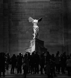 Spider Fawn Library c___l___o Winged Victory Of Samothrace, Deep Art, Nike Wallpaper, Angels And Demons, Classical Art, Vintage Vibes, Best Artist, Writing Inspiration, Aesthetic Wallpapers