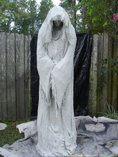 diy the most awesome ghost scary halloween propshalloween ghost decorationshalloween graveyardhalloween diyhalloween - Scary Halloween Props
