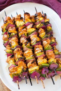 I love a good kebab recipe and what better entree to serve on a warm summer day than these Hawaiian Chicken Kebabs! One bite of these will leave you cravin **Try with alt meatHawaiian Chicken Kebabs – You will love the light sweetness of these pair Cooking Recipes, Healthy Recipes, Yummy Recipes, Budget Cooking, Bariatric Recipes, Batch Cooking, Oven Recipes, Mexican Recipes, Indian Recipes