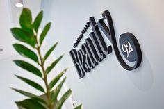 Instytut Urody Beauty92 ul. Krzycka 92 BCD lok. 4 53-020 Wrocław  tel: 722 350 350