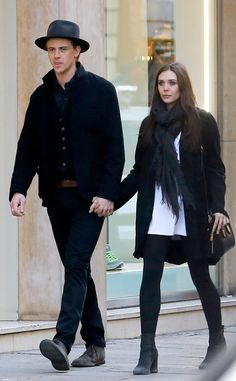 Engagement Photo Outfit? Elizabeth Olsen & Boyd Holbrook from The Big Picture: Today's Hot Pics | E! Online