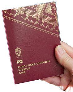Pass kan du från i sommar glömma hemma när du reser inom EU. Regeringen föreslår att ett nationellt id-kort ska kunna användas även för resor till EU-länder
