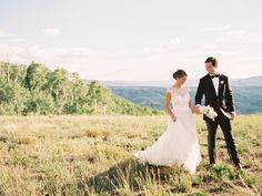 Top 13 Destination Wedding Tips   Photo by: Sara Hasstedt   TheKnot.com