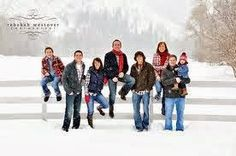 Do you plan on having your Family portraits taken this Winter? What a great season to portrait too! Here's some poses, clothing and scenery...