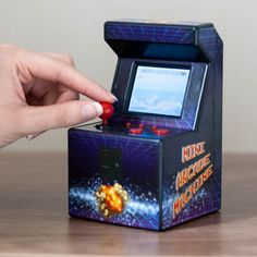 The Desktop Mini Arcade Machine is a totally portable games console that is packed with an amazing 240 retro games. Mini Arcade Machine, Cool Gifts, Best Gifts, Portable Game Console, Good Birthday Presents, School Games, Original Gifts, Gadget Gifts, Last Minute Gifts