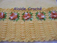 Toalha de Lavabo, com trabalho em crochê, cor amarela, flor laranja, da Kaster, esse valor + frete, se houver muitas encomendas o prazo poderá ser prolongado. R$ 45,00