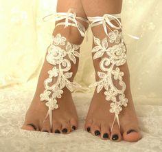 mariages, accessoires de mariée, mariage de plage, de mariée sandales aux pieds nus, chaussures de dentelle ivoire : Autres accessoires par passionis