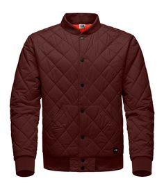 Just as easy as switching up your stance, this lightly insulated jacket reverses from a quilted exterior to a smooth taffeta exterior. Outdoor Wear, Smart Casual, What To Wear, The North Face, Fashion Accessories, Winter Jackets, Mens Fashion, Jacket Men, Sleeves