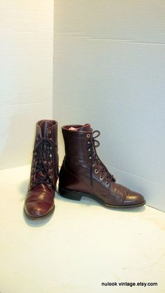 sz 6.5 b vintage justin boots, oxblood color leather  lace up granny combat boots