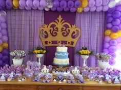 E foi assim os 6 anos de Marina, festa ds princesa dourado com lilás. Princesa Sofia foi o tema escolhido pela aniversariante, Scrapbook Man...