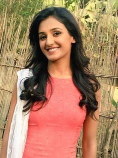 Shakti Mohan Celebrity Singers, Bollywood Girls, Beautiful Bollywood Actress, Celebs, Celebrities, Deepika Padukone, Indian Ethnic, Indian Beauty, Glamour