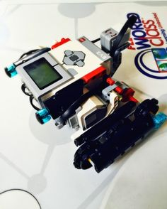 Must have tips for new EV3 bot builders from a First Lego League Coach! Links to all the building instructions, too ;)