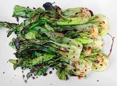 Grilled Bok Choy with Sweet Soy Glaze. Can't wait for my bok choy to get big enough! Side Dish Recipes, Vegetable Recipes, Vegetarian Recipes, Cooking Recipes, Healthy Recipes, Side Dishes, Sweet Soy Glaze Recipe, Clean Eating, Healthy Eating
