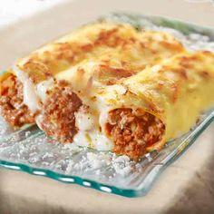 Canelones a la Boloñesa Lamb Recipes, Chicken Salad Recipes, Pasta Recipes, I Love Food, Good Food, Yummy Food, Ravioli, Crepes, Tapas