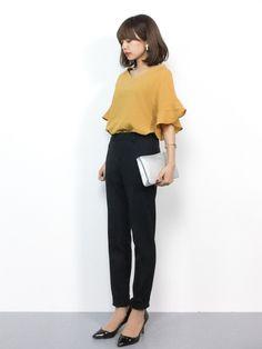 きれいめカジュアル green label relaxingのテーパードパンツは細身のシルエッ Japan Bag, Business Fashion, Eriko, What To Wear, Street Wear, Girl Outfits, Normcore, Hairstyle, Street Style