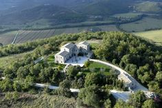 Fortified Italian farmhouse [I want to own this!!!!]