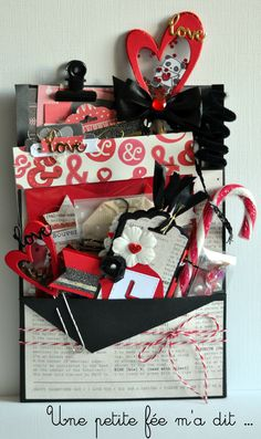 Loaded envelope Saint Valentin Scrap Pocket Envelopes, Card Envelopes, Pochette Surprise, Envelope Tutorial, Snail Mail Pen Pals, Mini Albums, Album Scrapbook, Diy Crafts For Girls, Book Crafts