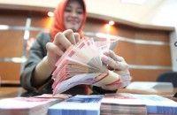Rupiah 13.608/Dolar AS Pasar Tunggu Intervensi BI