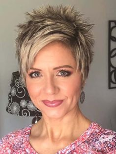 Short Blonde Hair Cuts For Women, Short Choppy Hair, Funky Short Hair, Hair Styles For Women Over 50, Super Short Hair, Short Thin Hair, Short Hair Styles Easy, Short Hair With Layers, Trendy Hair