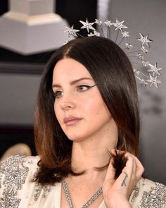 Lana del Rey wearing gucci at the 2018 grammys