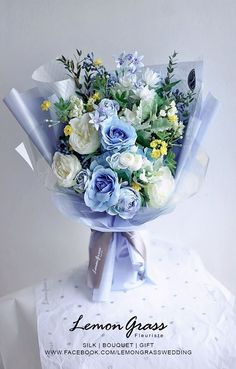 Boquette Flowers, How To Wrap Flowers, Beautiful Bouquet Of Flowers, Luxury Flowers, Fresh Flowers, Dried Flowers, Beautiful Flowers, Wedding Flowers, Flowers Bucket