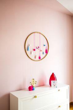 Jetzt auf dem Blog: Das Kinderzimmer mit Schöner Wohnen Farbe Architects Finest Lingotto Rosa und DIY Hula Hoop mit Quasten und Pom Poms