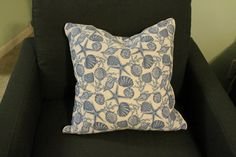 No Sew Pillow Cover with Piping - Charleston Crafted  Again, this woman is amazing!
