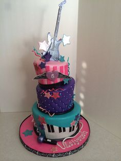 Rockstar cake 12th Birthday Party Ideas, Birthday Party Design, 10 Birthday, Themed Birthday Cakes, Pop Star Party, Rockstar Birthday, Confetti Cake, Disco Party, Awesome Cakes
