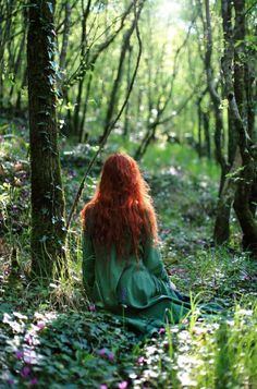 ~ A space where I let the inspiration of Nature speak, sharing the beauty, magic, wisdom and wonder of our green planet, and her dreams and wishes of our magnificent future together ~ Fantasy Magic, Fantasy Art, Witch Aesthetic, Aesthetic Girl, Aesthetic Fashion, Images Esthétiques, Forest Girl, Fantasy Photography, People Photography