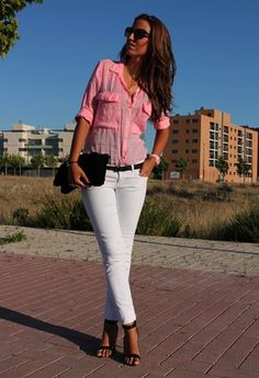White pants - top this summer ! oh jeah!  BELLO! :D