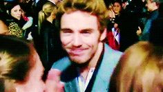 I don't think a Sam Claflin gif has ever made me laugh so hard