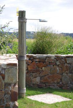 1000 images about duchas en el jard n on pinterest outdoor showers showers and outdoor - Duchas para jardin ...