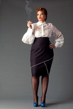 JIBRI Plus Size High Waist Pencil Skirt w Geometric Binding Detail LOVE a pencil skirt - this etsy seller looks fab! Curvy Girl Fashion, Punk Fashion, Plus Size Fashion, Womens Fashion, High Fashion, Plus Size Vintage, Mode Vintage, Vintage Style, Mode Xl