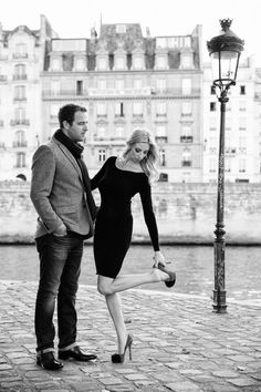 Engagement shoot on the streets of Paris. Photography By / oneandonlyparisphotography.com/blog