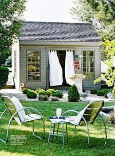 darling little shed/house...........