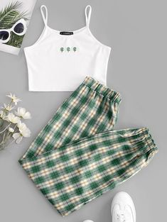 Cute Clothes For Women, Girls Fashion Clothes, Teen Fashion Outfits, Retro Outfits, Outfits For Teens, Girl Outfits, Style Fashion, Trendy Teen Fashion, Cute Pajama Sets