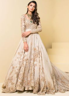 Buy this classic and modern Pakistani bridal wear Byzantinian Glory from SFK new Bonita collection this festive season, which is perfect for summer season. SFK's latest line Bonita consisting… Pakistani Bridal Dresses Online, Pakistani Bridal Lehenga, Asian Bridal Dresses, Indian Wedding Gowns, Asian Wedding Dress, Indian Bridal Outfits, Pakistani Dress Design, Pakistani Wedding Dresses, Pakistani Outfits