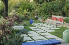 7-7-ideias-para-criar-um-caminho-que-corte-seu-jardim