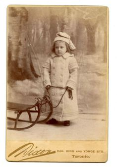 1880s-LITTLE-GIRL-SNOW-SLED-CABINET-CARD-PHOTO-TORONTO-CANADA-WINTER-ANTIQUE