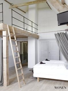 Loft space in bedroom
