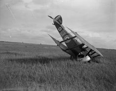 BRITISH AIRCRAFT FIRST WORLD WAR 1914-1918 (Q 12121) A Sopwith Camel after a forced landing at Noyelles-sur-l'Escaut, 8th October 1918.