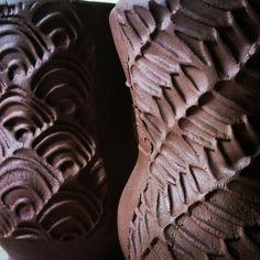 Coffee Mugs, texture detail Pottery Ideas, Coffee Cups, Pots, Calm, Ceramics, Texture, Detail, Glass, Crafts