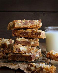 Amazingly Sweet Garbage Bars! | Recipe via @Amanda Rettke #recipe #bars #sweets