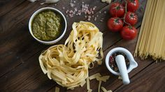 Forget the fancy, expensive equipment and get your fresh pasta fix the easy way Taco Mix, Pasta Machine, Fresh Pasta, Pasta Noodles, Homemade Pasta, Few Ingredients, Pasta Dishes, Food Hacks, New Recipes