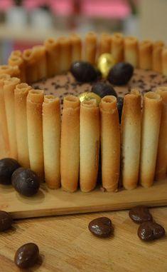 Creamy Cheesecake Recipe, Cheesecake Recipes, Desserts Ostern, Easter Desserts, Easter Cake, Mini Cheesecakes, Mini Foods, Creamy Sauce, Yummy Cakes